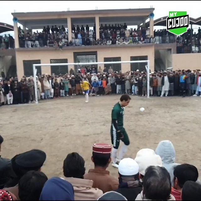 🙌 Approximately 60 seconds of the most crowded yet respectful penalty shootout you'll ever witness. . 🇵🇰 From Pakistan's Swat District, Kabal Tigers face Kohat in the KPK Chief Minister Football Cup 2019. 👌 . 🤔How about it @fifaworldcup and @championsleague? .  #mycujoo #shareyourgame #asianfootball #footballasia #thefutureisasia #swatvalley #pakistan #swatdistrict #pakistani #pakistanfootball #footballpakistan #theafc #theafchub #penalties #pks #shootout #penaltykick #swatpakistan #swatpakistan🇵🇰 #respect #footballisfamily #footballislife #soccerisfamily #soccerislife #footballislove