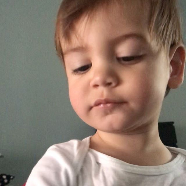Acorda já tagarelando! Não me canso de assistir esse vídeo.  #babytomtom #babyboy #love #babytalking #toddlerlife
