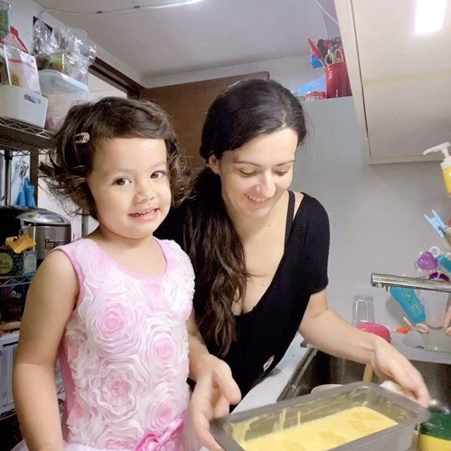 第一次跟Emma煮蛋糕🍰