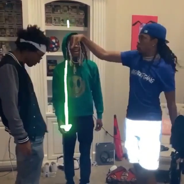 FINISH HIM 😂😭🤦🏽‍♂️ #NOCLUECHALLENGE ❄️ SONG LINK IN BIO 🔥