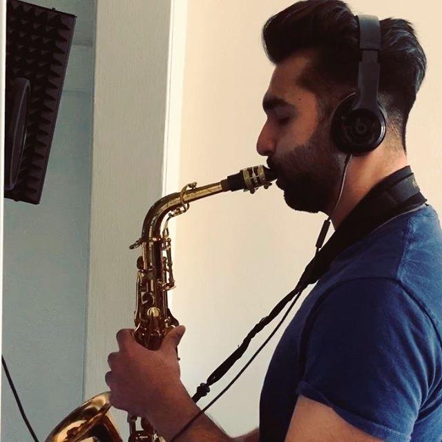 Sax solo for the verse .. searching 🎷 📸: @vida.de.pablo . . #jdawa #trapjazz #jazztrap #musicproducerlife #imakebeats #altosaxophone #jazzhop #jazzbeat #liverecordings #nosample #beattapes #jazzsaxophone #jazz🎷 #chillhopmusic #chillhopbeats #logicxpro #logicpro #logicprox #soulbeats #trapsoul #saxophonesolo #saxophonelife #hiphopdontstop #rnbbeats #beatsforsale #beatsforlease #musicproductionlife #saxophones #saxophoneswag #instrumentalbeats