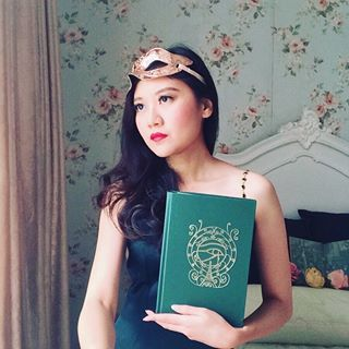 Amelia • Books & the Black Tea