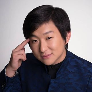 Pyong Lee (조영래)