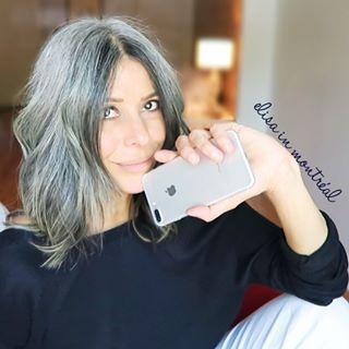 •E L I S A•YouTuber/Grey Hair