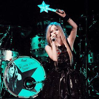 Avril Lavigne 🇬🇧🙋🏼♂️
