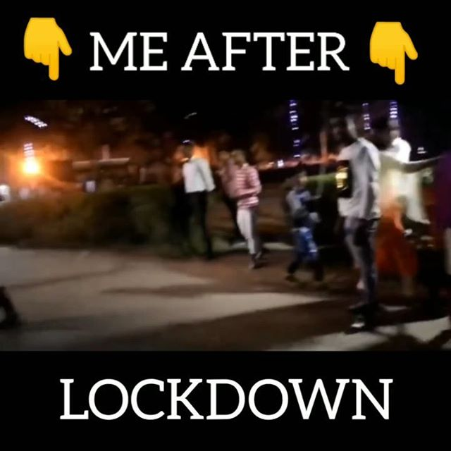 Or Kon kon Aisa Krega?? 😂🤣 #lockdown #corona #coronamemes #lockdown2020 #lockdownkolkata #lockdownindia #stayhome #staysafe #dayoff #day4 #day4quarantine #mouzprank #coronavirusmemes😂😂😂 #virus #coronavirusitalianews #dance #funnydance #goviral #azadi @smartylicious_mirza