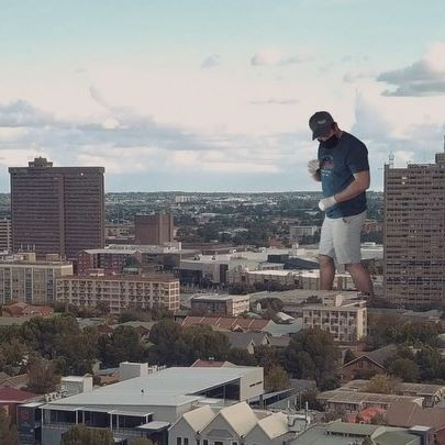 LOCKDOWN SHENANIGANS Pt. II 😂... . . . . #vfx #bloemfontein #funedit #greenscreen #keying #largerthanlife #keying #rotoscope  #blender #tracking #drone #videographer #editer #lockdown #southafrica #lockdownsouthafrica  #creative