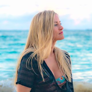 Justine Ezarik / iJustine