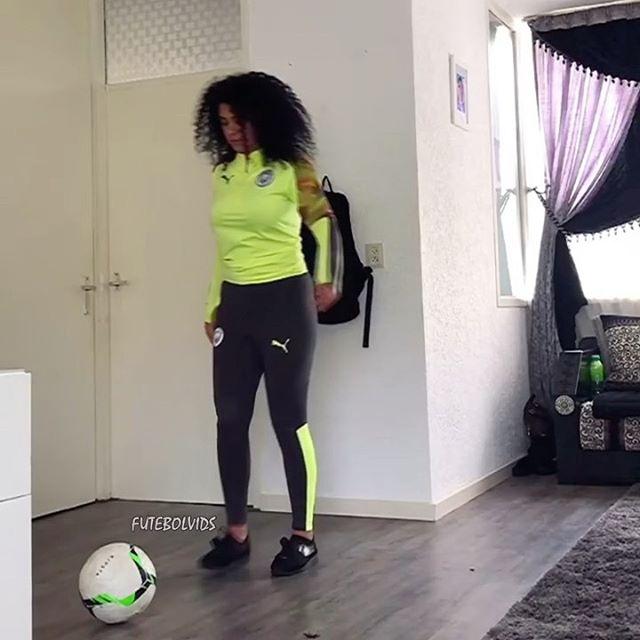 Ridiculous Skills! 🤯 🌍 Follow us @FutebolVids for more! 🎶 Song 'Thebes - AOD' by King of Thebes @kingofthebes_ 🎶 🎥/ @sharif_eljackson @anasboukami @loubssss @sp9_football @jordanthefreestyler @sabareesh_007 @thekf8 @laurawrann @jibi_08_football @street_panna @jphiltowa