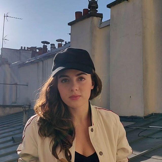 Lecture du mardi Fantômette ou Prévert ? 📚📖☀️ #prenezsoindevous #etdenous #etdevosproches #enrestant #chezvous #ensembleàlamaison #confinement #together #athome #stayhome #jacquesprevert #paroles