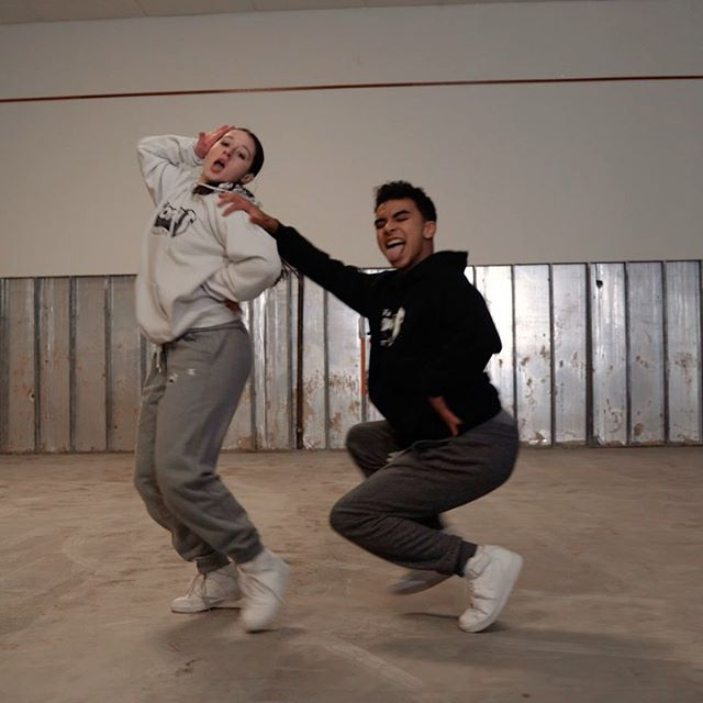 They learned this duet so fast y'all and THEY WENT INNNN🔥‼️⚠️ I can't believe how talented the students I work with are. Tell me they didn't killed this choreo @autumn.jacob @ewias_ ⁉️😻    📹 @redllama.media    @spotlightstudiosny GANG    @iamcardib @bluefacebleedem • • • #dance #dancevideo #duet #compseason #dancing #hiphop #cardib #foryou #fortoupge #dancers #newyork #lachoreogrpaher #youtube #love #work #fullout #spotlightstudios #samanthacaudlechoreography