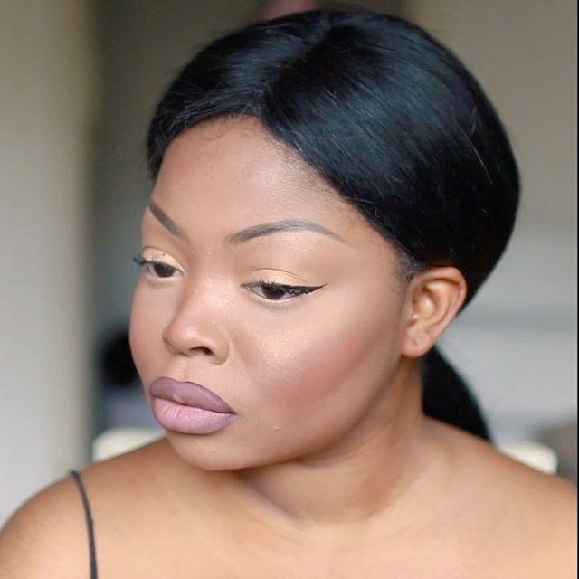Hey loves. This simple make up look is now online on Youtube. Schaut rein. LINK IN BIO🙈❤️ ⠀⠀⠀⠀⠀⠀⠀⠀⠀⠀⠀ #melaninmakeupdaily #makeupformelaningirls #melaninmakeup #melaninbeautiesunite #afrocentricmakeup #brownmelaninmua #brownmelaninmakeup #amuahub #makeupmelanin #pressplay #maccosmetics #maccosmeticsdeutschland #trenditup #bhcosmetics #germanyoutuber #blackyoutubers #blackyoutuber