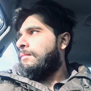 ايمل خان