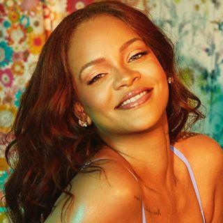 Rihanna Navy 🖤👑🇬🇪