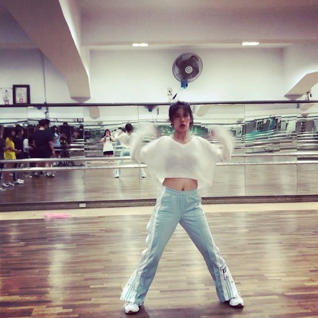 後半段來囉!  如果可以跳舞為何不呢?  Move on & dance!!! #dancehilda#雖然教課10幾年一個人跳還是會緊張的#宜商社課 #moveon