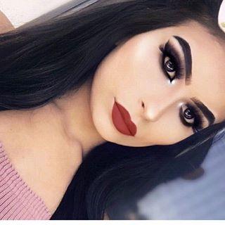 𝐸𝒹𝒾𝓉𝒽 x Makeup Artist👑 🌹