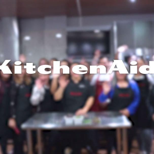 """Así se vivió #MiExperienciaKitchenAid """"Cocina Saludable"""" en la que aprendimos a preparar recetas ricas y saludables junto a la Chef @ddaaanniii Chef de @fittruckmty  Mantente al pendiente para nuestras siguientes clases en KitchenAid Experience Store Monterrey. #MiExperienciaKitchenAid"""