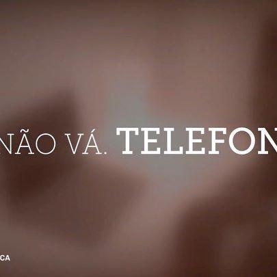"""Orgulho por fazer parte da família benfiquista! Foi um privilégio ter tido a oportunidade de participar nesta iniciativa e de poder conhecer grandes benfiquistas como a Dona Custódia, que partilham connosco esta paixão pelo clube e pelo desporto. Nunca é tarde para concretizar sonhos ou fazermos o que mais gostamos. """"Não vá. Telefone!"""" Vejam o resto da conversa em slbenfica.pt 🏡📞🙏🏾 Link na bio. #OBenficaFazBem #BenficaEmCasa #blessed"""