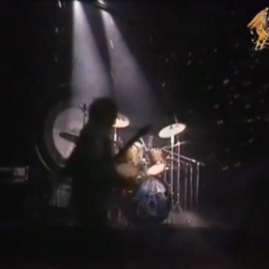 Queen performing 'Big Spender' live at Hammersmith Odeon 1975 • • #queen #bigspender #freddiemercury #johndeacon #brianmay #rogertaylor