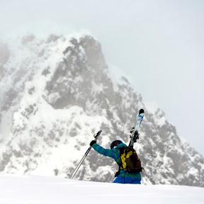 Freeride skiing motion