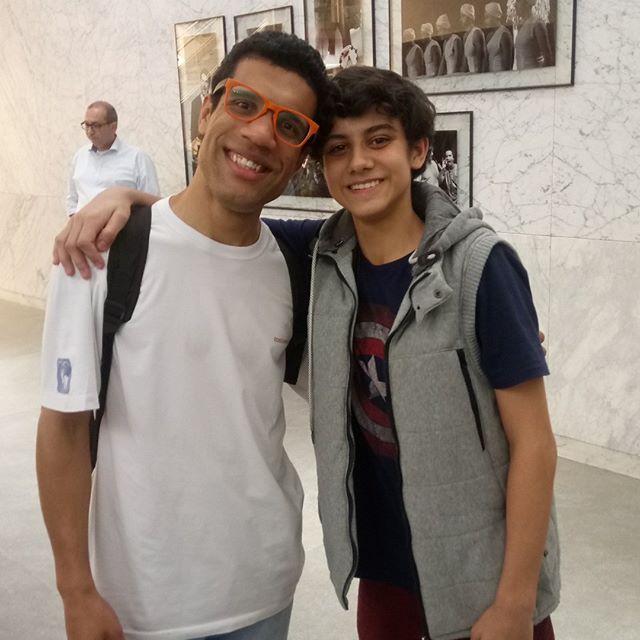 """""""Não sei dizer direito, não dá pra explicar"""" Olha só que eu encontrei @tiagofernandiss , nosso Billy. #sor #escoladorock . @escoladorockmusical  @billyelliotbrasil"""