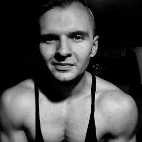 Elliot Łukasz