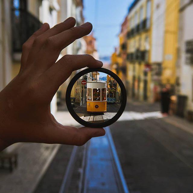 👏👏👏 100 zł na zakupy w Cyfrowe wędruje do @kacpisun , który tym zdjęciem z Lizbony wygrywa konkurs #wykadrujpodroz 🔥 Gratulujemy 🙃 ... #wykadrujwakacje #konkursyinsta #podroz #podrozowanie #podróżnik #lizbona #lisbona #portugalia #portugal #cyfrowe_pl #cyfrowepl #podróż #podróże #lepszafotografialepszyfilm #shot2kill #traveluje #traveller #kochamfotografie #kochampodroze #podrozuje #tramwaj #lisbon