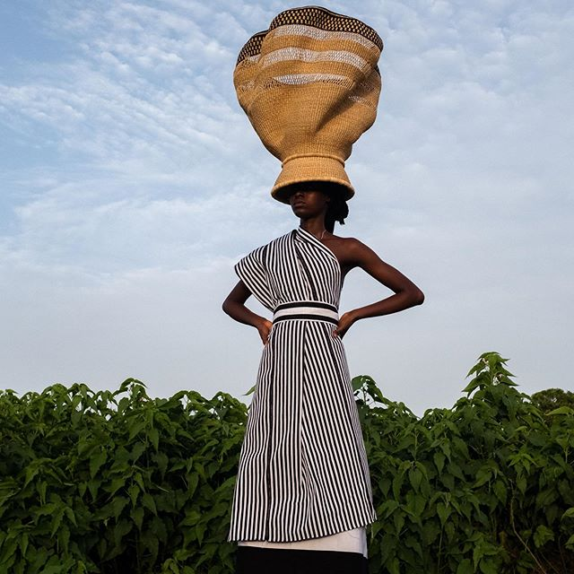 THE HIGHER THE BASKET THE CLOSER TO HEAVEN • ✖️☁️👋🏿☁️👋🏿☁️ • • Model • @napari_isha  Photo • @accraphoto  Styling • @appetitefordecoration  Basketry • @babatreebaskets by Mary Anaba. #babatreebaskets #artisanbaskets #brandswithpurpose #socialimpact #slowdesign #cultureofbaskets