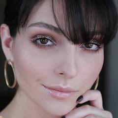 Anna Sarelly