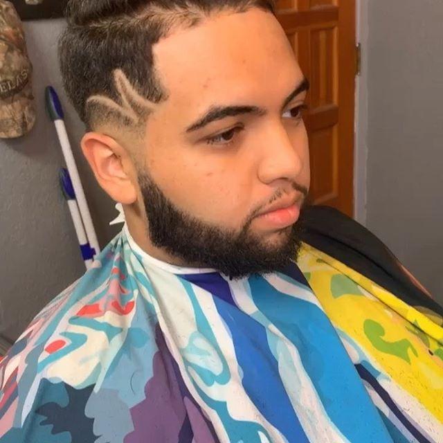 "[ S U A V E WITH IT ] The only limit Is the one you put on yourself. Push to work outside your comfort zone ✂️💈📈🔥🔥 cape by @illuzien  Just something little light ! ""Don't be average"" 📈🚀✅ BY : 🚨 [ @suavecitothebarber ] 🚨 . . . . . . @barbershopconnect @barbersinctv @barberlessons_ @barber.clips @thebarberpost @barber_boom @barber.nations @barber.family  #barberart #taperfade #fadegame2raw #fadehaircut #barberrespect #masterbarber #barbershops #barbergrind #fadegame #barberswag #yourbarberconnect #barberpost #barbergame #barbernation #fades #sharpfade #barbershopconnect #thebarberpost #barberconnect #skinfade #barber #taper #barbergang #barberworld #barbershop #freshcut #hairtransformation #ukbarber #elegancegel @elitebarberslounge #elitebarbercartel @jesseelite"