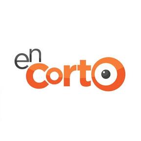 En Corto