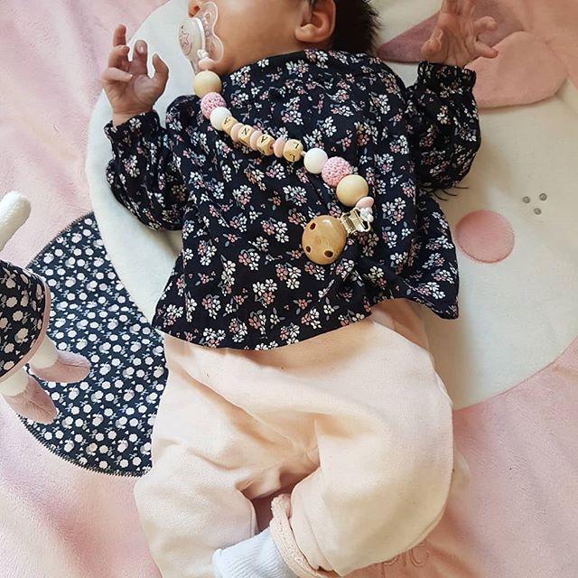 🌸•   Bonne Journée Les Beautés   •🌸 La tenue dhier de ma princesse ! 100% @tapealoeil ! J'aime tellement le liberty !  Je suis juste fan !👸 #tao#tapealoeil#flowers#bebelook#liberty#bebelana#jeunemaman#amour#mafille#beaute#love