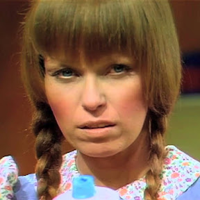 Mary Hartman, Mary Hartman - Topic