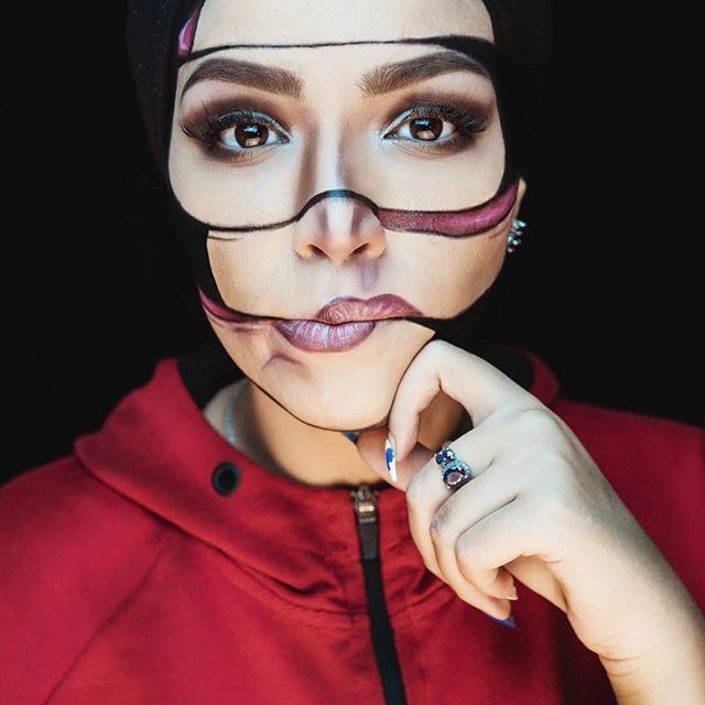 cut me to pieces ✴️✴️✴️ pic taken by The amazing photographer :@zaki.oukazi .  Inspo From the  incredible talented artist : @mimles . . . #algerienne🇩🇿 #جزائرية #makeupartist #makeup #makeupartistsworldwide #makeupmafia @farahyasmine #makeupoftheday #dxb #dubaiartist  @joellemardinian #dubsmashchallenge #artoftheday #artist #artistsofinstagram #mood #amazing #photography #photooftheday #girls #drawing #dubai #dubaigirls #mydubai #dubaimall #dubaifashion #dubaiphotography #cinema #artlover #support .