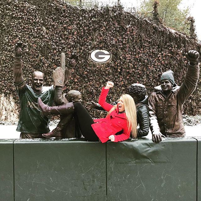 I just hope both teams have fun 🙃 . . . . . . . . . . . . . . . . . . . . . . . . #football #packers #bears #gametime #baseballfan #greenbay #gopackgo #beardown #chicago #momlife #footballseason #tbt #throwbackthursday #mamahood #greenbaypackers #chicagobears #singlemomlife #sportsmama #fitfam #footballtime #chicagosports #ilikebaseball #baseballmom