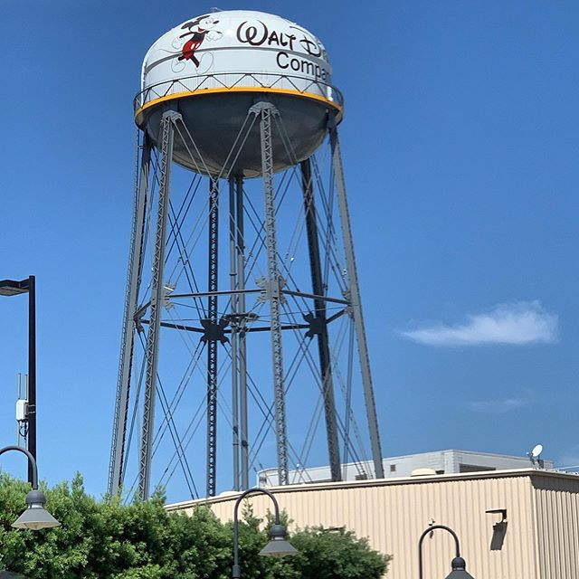 I'm spending the day on the Walt Disney studio lot for the End of Summer Celebration. I always feel so lucky (and have to pinch myself) when I get to visit this lot! • • • #disney #waltdisneystudios #waltdisneystudiolot #waltdisneyanimation #burbank #burbankcalifornia #endofsummercelebration #disneyig #igdisney #disneyinsta #instadisney #disneygram #disneygrammers #waltdisneyarchives #disneypic #disneyphoto #disneylife #magicandwishes #california_igers