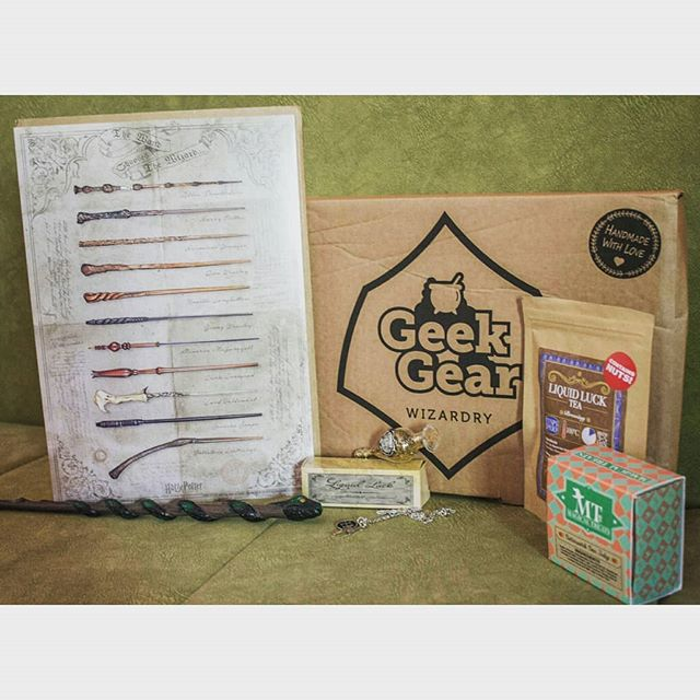 My very late April GeekGear box. Actually the box that was initially sent to me hadn't arrived, but the GeekGear team was very nice and they sent me another box. Thank you GeekGear!❤ The only difference from the original April box is that I got a different shirt, which is kinda good because I prefer this one over the original one.😉😁 This was another great box and I like all the items. My favorites are the necklace and the tea. The tea smells sooooooooo good!😍🍵I was also so excited to get a wand, because it's my first ever wand, and of course it is a snake themed one.🐍😁 #slytherinaesthetic #geekgear #geekgearwizardry #geekgearbox #subscriptionbox #harrypotter #hpbox #harrypottermerch