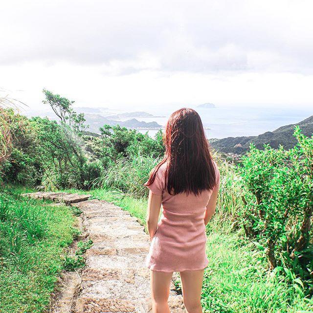 LR太神奇了❤️ 繼續使用無糖豆漿先生的模板✨ 推薦一首放鬆歌 《張萱·離我遠去的時間和你》 //逃避其實很簡單 是真的嗎 //回不去來不及還有什麼關係 ——————————————————————— #Taiwan #iseetaiwan #iseetaiwan #photography #photo #photooftheday #lightroom #canon #canon60d #vsco #vscotaiwan #poptour #portraitphotography #instaphotography #instaphoto #instagood #ootd #igworldclub #view_taiwan #keelung #keelungcity #基隆 #不厭亭 #不厭亭🌾  #人像摄影 #寫真好きな人と繋がりたい #拍照景點 #外拍 #ポートレート撮影