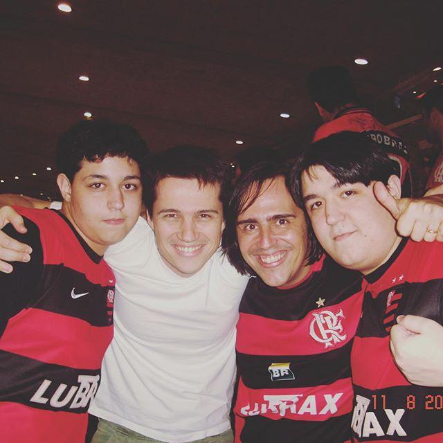 E hoje tem #tbt num mix com o dia dos irmãos. #diadoirmão #maracanã #flamengo