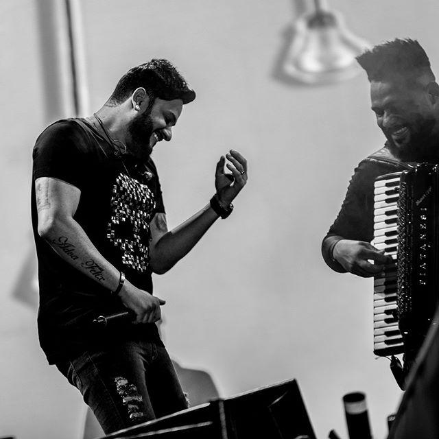Hoje começa nossa semana de shows, vamos estar em Ubá, Minas Gerais! Booora moçada! Ansiosos demais! 💥🙏 #uba #fazendinha #diegoevictorhugo