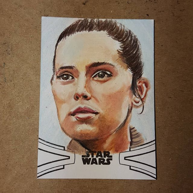 Topps Star Wars Skywalker Saga trading cards are out in stores now! Find my art in packs now! #rey #daisyridley #jedi #ahchto #jeditemple #theforceawakens #thelastjedi #starwars #starwarsartist #starwarsart #topps #sketchcard  #sketchcards #artisttradingcard #fanart #portrait #coloredpencil #prismacolor #toppsstarwars #artist #pencildrawing #sketch #sketchcardartist #draw #dailydrawing #mantis923