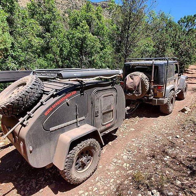 For anyone visiting the @offroadcampingexpo in Payson AZ this weekend (today thru Sunday), please go pay a visit to our friends @canyon.state.overland.  They are wildly friendly people, and will be happy to show you around the DoDrop Alpha they have in tow (our original prototype from years ago). #oregontrailerfamily #offroadcampingexpo #dodropalpha