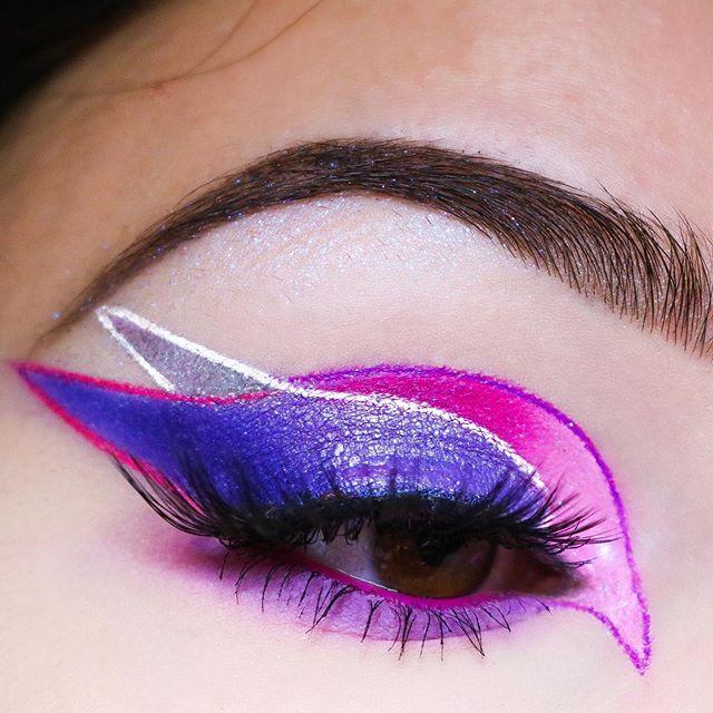 Details ✨ . . Identifiez @morphebrushes en commentaires svp 🥰 . . . • Eyebrows : @nyxcosmetics_france • Base : @anastasiabeverlyhills • Palette : 39S @morphebrushes • Liners : Pomade @makeuprevolutionfrance + Duraline @inglot_cosmetics • Crayon : @action.france • Eyelashes : @aliexpress . . . #morphebrushes #morphebabes #makeup #makeuponpoint #39s