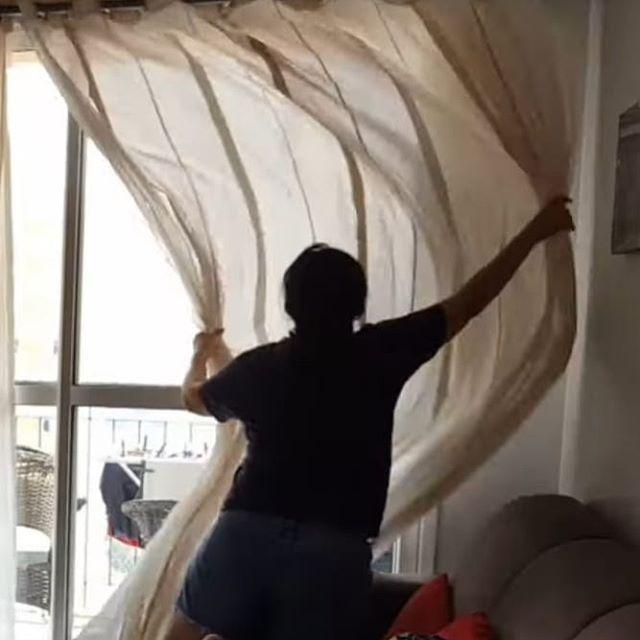 Oi gente. Hoje temos um vlog da VIDA REAL de uma dona de casa e mãe às 16 h, horário  de Brasília . . . . . .#donadecasa #dicasdaeide #rotinadomestica #minimalismobrasil