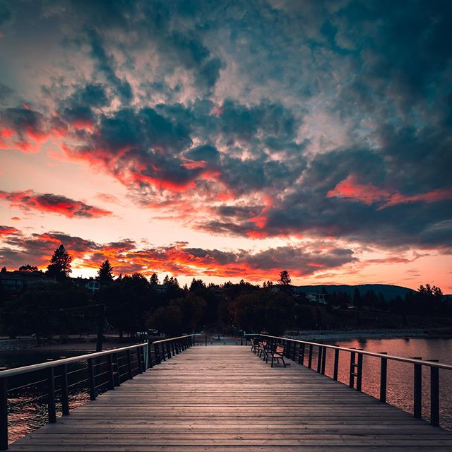 Different perspectives ⏳ . . . . #artofvisuals #getlost #createexplore #landscape #stayandwander #nature #rainbow #fatalframes #sunset #summer #instagood #awesomeearth #kelowna #beautifulbc #okanagan #okanaganvisuals #curiouskelowna #kelownaviews #exploreokanagan #landscapephotography #moodyphotography #artofcolors #visualembassadors #picoftheday#nikon #sunset #canon #explore #lakeview