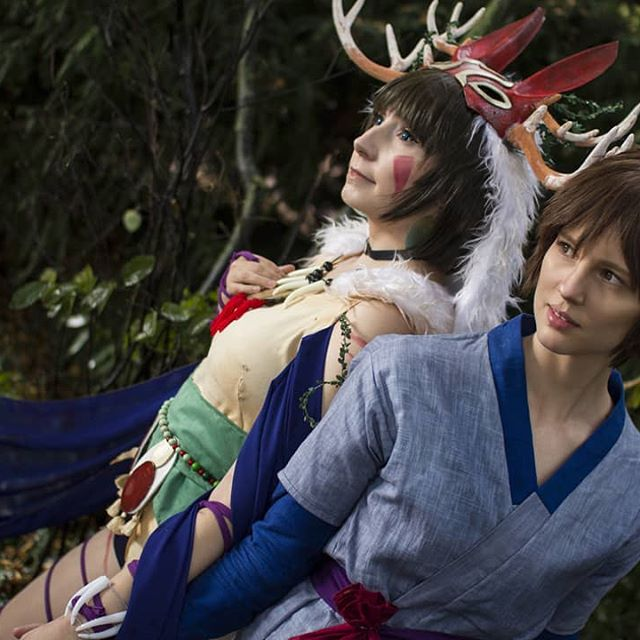 It started to rain when @crashcosplay wanted to take some pictures of us. 😔 But we waited patiently until it stopped. She already edited some of them. Thank you so much. 😱💕 Ashitaka is @jozuarts. 😚 #princessmononoke #princessmononokecosplay #sancosplay #ashitakacosplay #Ashitaka #studioghibli #germancosplay #fantasy #forest #warriorprincess #fantasymodel #fantasyphotographie