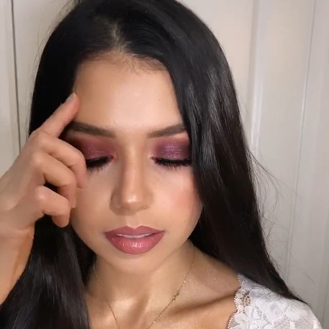 It's Saturday Night so let's get glam💋  ____________________________________________________________‼️LIMITED SEATS LEFT FOR MY UPCOMING MAKEUP CLASS‼️ link is in my bio! Don't miss out!💄 _____________________________________________________________ #makeupclass #fallmakeuplook #glamallday #makeupartist #makeuplife #makeupvideos #makeupparty #makeupoftheday