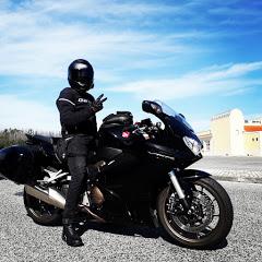V4 Rider
