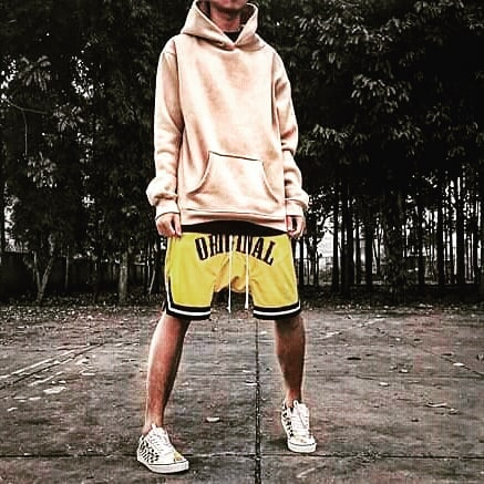 Her, I can give up. But love the Hypebeast is NEVERDIE _ _ _ _ _ _ _ _ _ _ #hypebeastvietnam #hypebeast #never #neverdie #sneakers #sociadoclube #pants #vans #caro  #vanscaro #vansslipon #hoodie #likeforlikes #likeforfollow #141 #like4likes #streetwear #nike #oufit #streetstyle #a