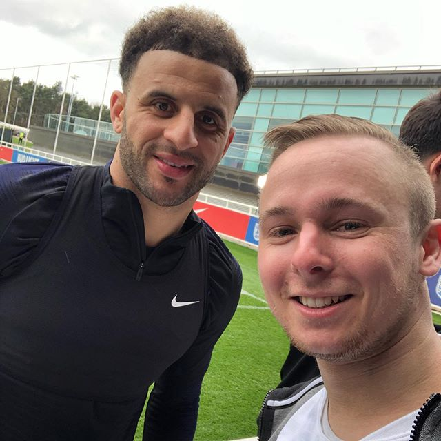 Someone say England play tomorrow? Wouldn't mind @kylewalker2 back at Right back with all the defensive issues at the moment.. but hey we can't all get what we want 😂😤🏴󠁧󠁢󠁥󠁮󠁧󠁿 #Coys